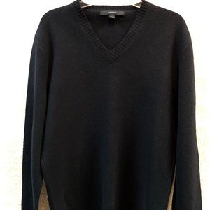 100% Lambs Wool V-Neck Sweater